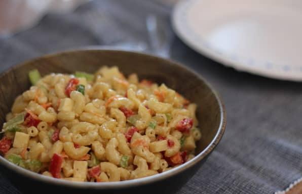Salade de macaroni festive